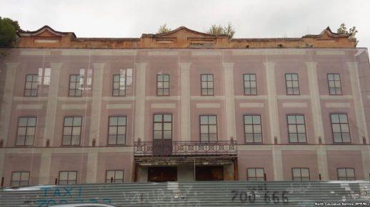 Почему власти не реставрируют разваливающиеся здания во Владикавказе