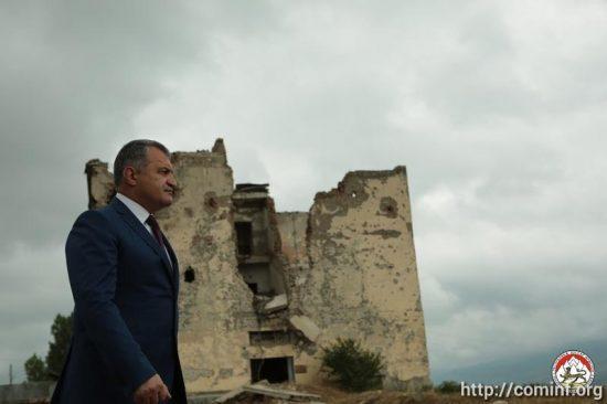 Преступления против миротворцев и народа Южной Осетии должны быть осуждены, - Бибилов (интервью)