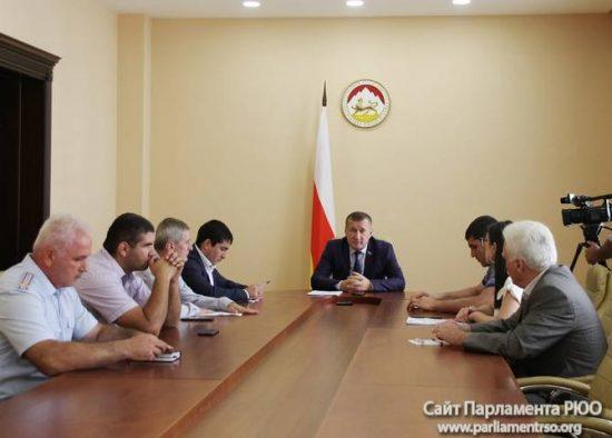 Парламентарии обсудили неправомерные действия некоторых сотрудников ГИБДД РЮО