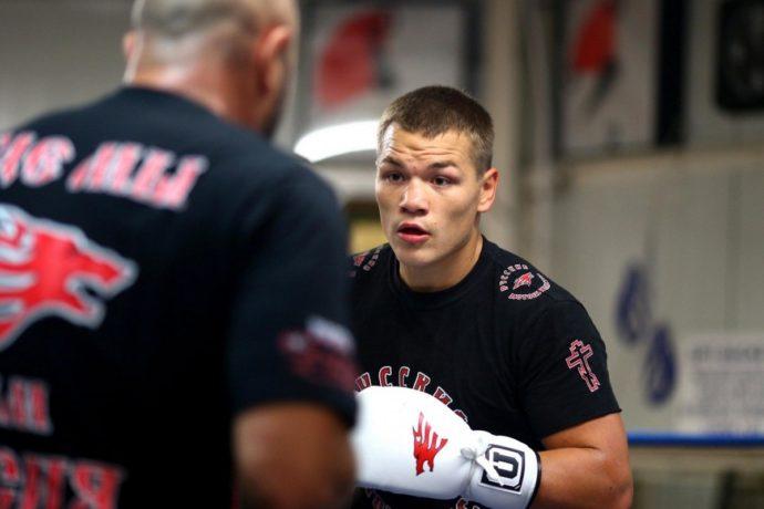 Боксер Федор Чудинов победил Умара Садика и защитил титул WBA Gold